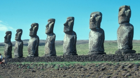 Ancient_Aliens_Moai-E.jpeg